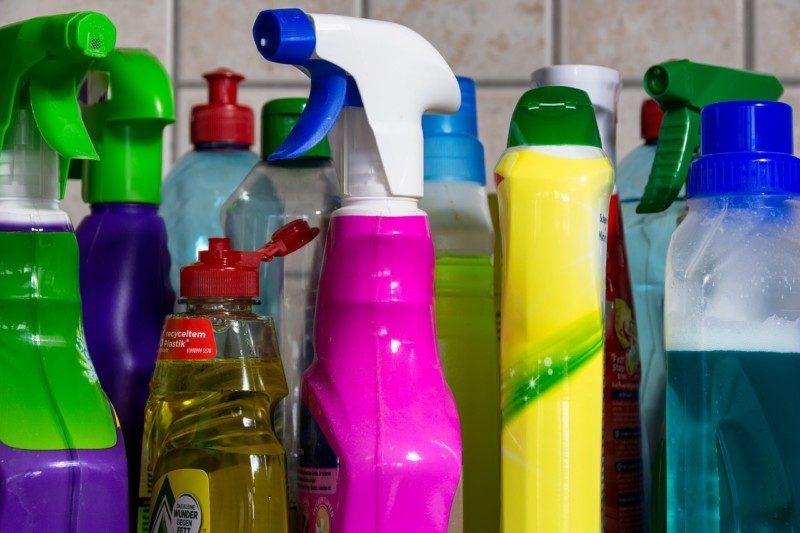 尿石がトイレつまりの原因なら酸性の液体洗剤を使用!