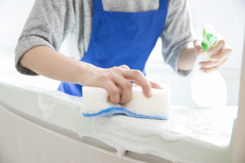 マジックリンを使ってトイレつまりを直すときの注意点