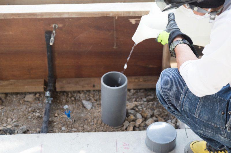 汚水管のトイレつまり解消を専門業者に依頼した場合の相場料金はいくら?