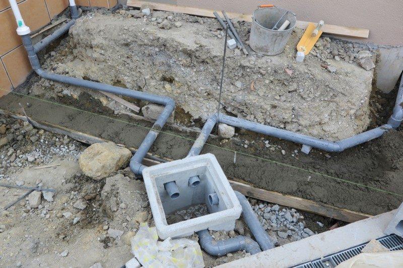 排水枡と排水管