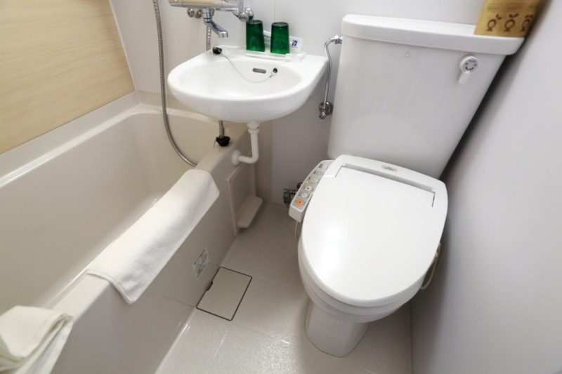 形状・タイプ別|洋式トイレのつまりの直し方